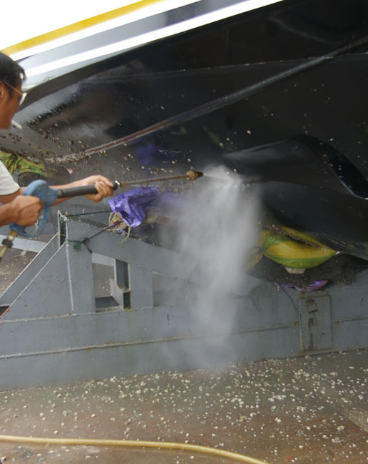 2021-3521Yacht cleaning